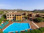 Anteprima piscina dall'alto Nicolaus Club Torre Moresca