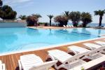 Anteprima piscina e sdraio Free Beach Club