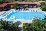 Anteprima piscina Nicolaus Club Aquilia Resort
