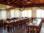 Anteprima tavoli e sedie ristorante Nicolaus Club Maremonte Beach Hotel