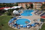Anteprima piscina prato e villaggio Nicolaus Club Roc Cala'n Blanes Beach