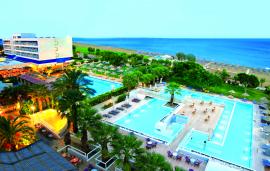 vista dall'alto piscina e mare nicolaus club blue sea beach resort