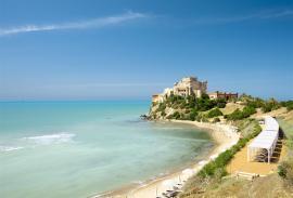 spiaggia castello nicolaus club falconara charming resort