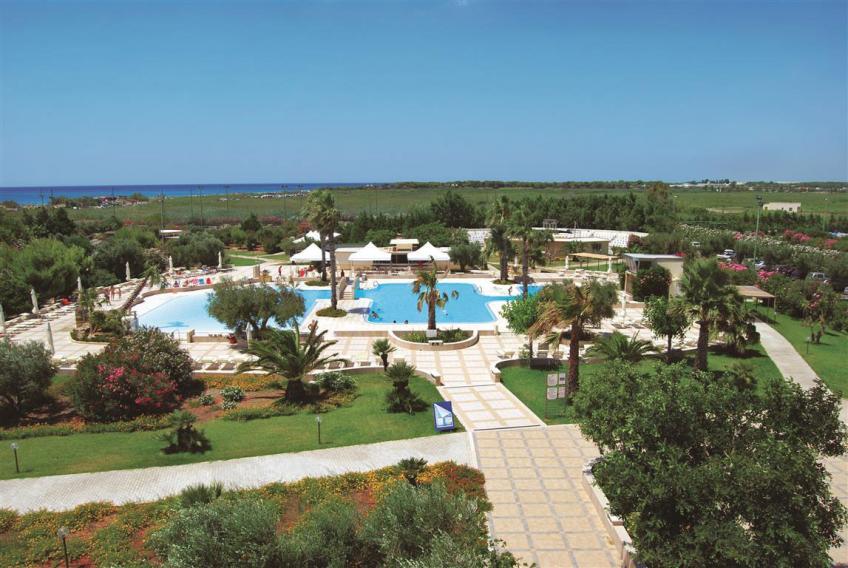 panoramica piscina Nicolaus Club La Giurlita