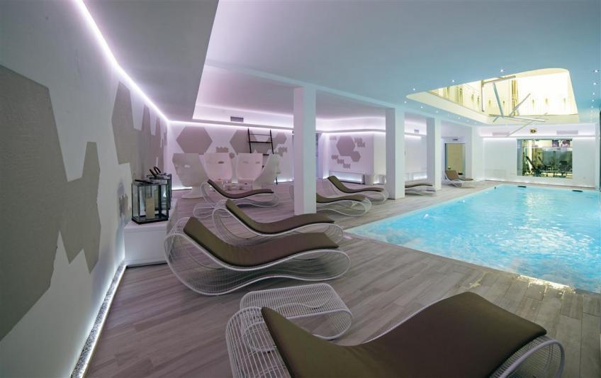 piscina interna Hotel Victoria Palace